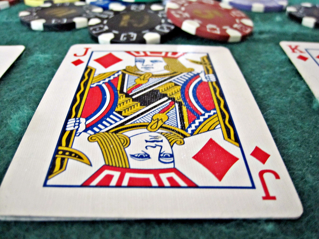Play your favourite poker online