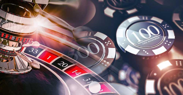 Making Money While Playing at an Online Casino